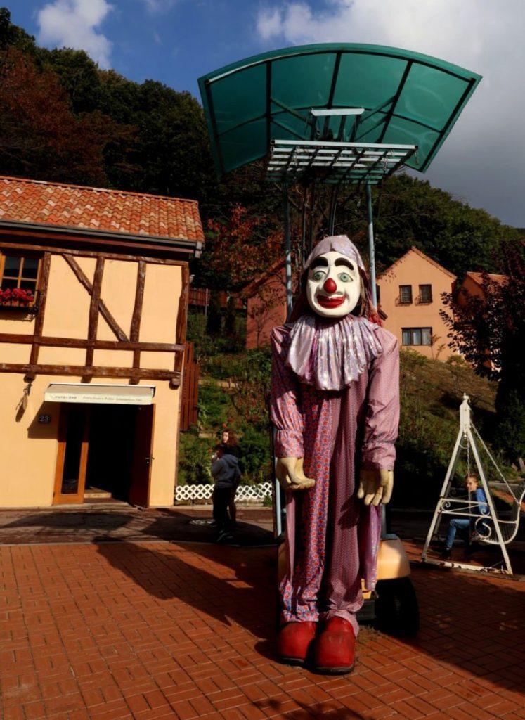 Amazing Puppets at Petite France near Seoul